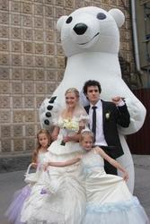 Белый медведь- ростовая кукла