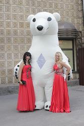 Закажите ростовую куклу Белый медведь на корпоративный праздник!