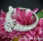 Золотые кольца на подарок.  Кольцо золотое